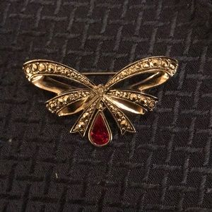 Avon Silvertone Marcasite and Ruby Bow Brooch Pin